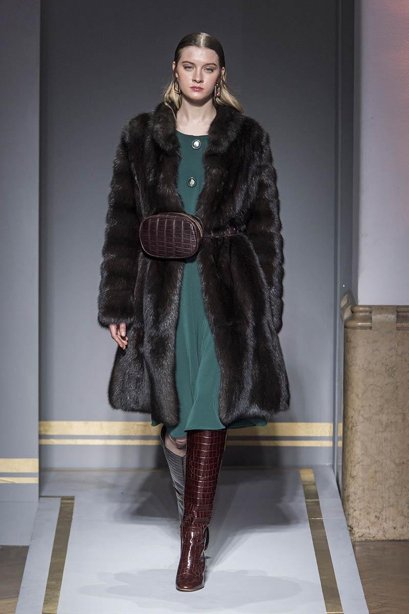 fall winter 2019 20 collection fashion show braschi dubai. Black Bedroom Furniture Sets. Home Design Ideas